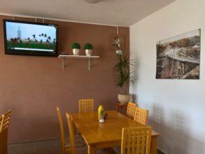 Obědy i večeře s možností sledovat TV